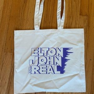 Realization tote. Never used.